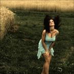 """ennio """"***"""" (2009-03-27 13:41:20) komentarzy: 1, ostatni: Fajna kontrastowa kolorystyka i modelka też niczego sobie ;-)"""