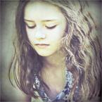 """Fanaa """""""" (2009-06-08 16:39:10) komentarzy: 81, ostatni: piękne masz portrety..."""