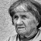 """Asiunia79 """"portret"""" (2009-07-09 10:26:01) komentarzy: 3, ostatni: Ciekawe, ile ma lat;) widać, że osoba doświadczona po przejściach."""