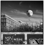 """sejlor """"Die balonik"""" (2009-08-24 10:31:21) komentarzy: 45, ostatni: fajnie wykadrowane, a za balona plusa wielkiego tu masz, bo ja to mam pierdo...a na punkcie tego co lata, tego co z zywiolem powietrza ma cos wspolnego!"""