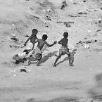 """Dorota Łajło """"sponiewierany"""" (2009-09-30 21:38:03) komentarzy: 16, ostatni: dzieci....w każdych warunkach znajdą okazje do....radości"""