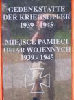"""Maciek Froński """"Autoportret z Żelaznym Krzyżem"""" (2009-11-27 09:51:27) komentarzy: 10, ostatni: rozbawić może wszystko, nawet odbicie na płycie pomnika """"MIEJSCA PAMIĘCI OFIAR WOJENNYCH 1939 - 1945"""""""