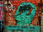 """asiasido """"częstochowskie podwórka z graffiti 7"""" (2009-12-10 19:41:58) komentarzy: 8, ostatni: niezłe:-))))"""