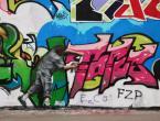 """asiasido """"częstochowskie podwórka z graffiti 8"""" (2009-12-13 23:28:08) komentarzy: 4, ostatni: szkoda z e naokoło niego jest taka lipa ehhh ale tyle dobrze że mój ulubiony  sport w Częstochowie jeszcze żywy:)))"""