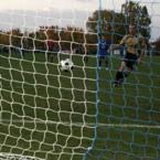 """silnik """"Randon Gomez z Potulic Walka na Max strzela wyrównującego gola dla PWNM"""" (2009-12-29 23:59:25) komentarzy: 25, ostatni: salces poranka"""