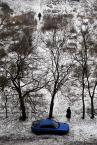 """drax """"scena styczniowa"""" (2010-01-13 12:57:07) komentarzy: 15, ostatni: wbrew pozorom bardziej mi się podoba niebieska kombinacja, ten metaliczny kolor na szarym śniegu jest wręcz trujący."""