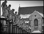"""kazan48 """"12 apostołów. Kościół św. Piotra i Pawła."""" (2010-02-10 12:42:27) komentarzy: 13, ostatni: żeby wykorzystac ciekawie ten motyw (kadr), trzeba by było chyba wejść na drabinę (lub na bramę)"""