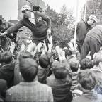 """Włodzimierz Barchacz """"""""Swieto Trybuny Ludu"""""""" (2010-02-13 03:23:39) komentarzy: 9, ostatni: a wyciągnięte ręce to nie na widok rockmanów?..:)"""