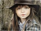 """anna lewiak """""""" (2010-02-17 18:29:15) komentarzy: 22, ostatni: świetne ... to spojrzenie ... można by sie patrzeć na to zdjęcie godzinami ... :) a modelka urocza :)"""