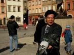 """nomaderro """"Japończyk w Warszawie"""" (2010-03-14 15:35:51) komentarzy: 4, ostatni: nomaderro [2010-03-14 15:40:06] no szczęśliwy bo nie wie w co się pakuje:)))"""