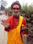 """Trollek """"Namasteee..."""" (2010-04-17 19:29:30) komentarzy: 6, ostatni: j.AZORANIN to nie jest reportaż , nie ma tu przekazu ,jest człowiek ;) pozdr"""