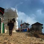 """Trollek """"Lukla"""" (2010-06-02 15:47:26) komentarzy: 22, ostatni: Wiecznie ośnieżone Himalaje...Skądś ten śnieg się musi brać:)"""
