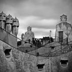 """Paddinka """""""" (2010-07-29 14:19:37) komentarzy: 13, ostatni: Fantastycznie pokazujesz architekturę Gaudiego. W b&w jest równie ciekawie co w kolorze. Troche jak ta sama historia opowiedziana innymi słowami."""