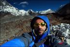 """Trollek """"Je Suis Triste Et Seule Ici"""" (2010-08-06 23:55:57) komentarzy: 5, ostatni: Ertu dobry dobry ;) na lewej ręce trzymam  Mt.Everest i Mera Peak , na głowie Island Peak ,na prawym ramieniu lodowiec Lhotse , w okularach natomiast -prawe oczko - Cholatse ,lewe oczko -Słonko nad Ama Dablam ,zaś na prawej ręce lodospady tej..."""