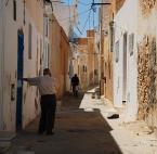 """asiasido """"zaułek tunezyjski"""" (2010-08-12 11:03:09) komentarzy: 3, ostatni: w poszukiwaniu cienia ...."""