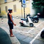 """Carlos Gustaffo """"Tam pobiegł!"""" (2010-09-01 00:37:16) komentarzy: 7, ostatni: eee..te sa za nowe ,jak lubie te retro vespy"""