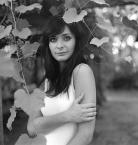 """Christof_b """"Karolina"""" (2010-09-02 10:32:31) komentarzy: 1, ostatni: podoba mi sie lagodna tonacja bw, i te winogrona, i kwadraty tez lubie... ogolnie: calkiem ok portrecik to jest:)"""