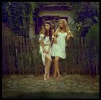 """WHITEAlice """"Folk Girls"""" (2010-09-29 22:23:27) komentarzy: 20, ostatni: fajne  niczym rusałki jak żywe :)"""