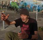 """colinek """""""" (2010-10-07 21:41:43) komentarzy: 4, ostatni: Dobre tło do tej ostacie. w ogóle gobre robisz portrety, wiele mówiące"""