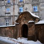 """asiasido """"zaułki Lublina 3"""" (2010-12-25 00:52:30) komentarzy: 17, ostatni: skojarzyło mi się wprost z tytułem filmu """"Jasne, błękitne okna"""""""