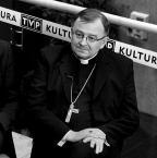 """Slawekol """"abp Józef Życiński"""" (2011-02-10 21:18:16) komentarzy: 22, ostatni: Choszczman [2011-02-10 21:25:27]: Bardzo smutna."""