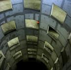 """JarekZ-68 """"... znikajacy punkt ..."""" (2011-04-05 12:31:55) komentarzy: 10, ostatni: Wygląda jak wejście do katakumb w Aleksandrii"""