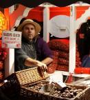 """Janusz Z Sawicki """"Marrons chauds"""" (2011-08-18 19:27:03) komentarzy: 4, ostatni: aj, zapomnialam dodac, ze w rzymie, na przeciwko schodow hiszp mala porcje sprzedaja za 5 eurasow....zdzierstwo :P"""