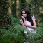 """Meller """"Kwiat Paproci"""" (2011-08-23 18:32:20) komentarzy: 9, ostatni: Piękna dziewczyna z niebanalnym wyrazem twarzy :))"""