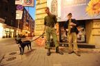 """Grzegorz Krzyzewski """"scenka rodzajowa"""" (2011-09-19 19:34:36) komentarzy: 21, ostatni: ten na prawo chyba mlodszy duchem... ++"""