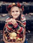 """Maxmaks """""""" (2011-10-07 18:26:16) komentarzy: 7, ostatni: Pani jesień niesie dary ... Sympatyczna cała seria :-)"""
