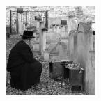"""Wojtek K. """"Wspomnienie."""" (2011-12-03 22:22:59) komentarzy: 25, ostatni: Skupiony człowiek zawsze fascynuje..nie sposób przejść obojętnie obok takiego widoku."""