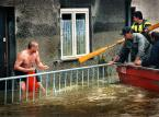 """Zbigniew Woźniak """"Ratuj się...."""" (2012-02-03 19:19:21) komentarzy: 66, ostatni: pamiętam je, z jakiejś książki """"powodziowej"""""""