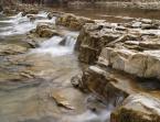 """Bogdan_che """"Skalny próg na Wisłoku"""" (2012-02-04 23:34:23) komentarzy: 2, ostatni: Ten jest z listopada. Poziom wody był tak niski , że spacer odbywał się korytem rzeki  :)"""