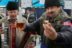 """Slawekol """"*   *   *"""" (2012-02-17 12:04:15) komentarzy: 17, ostatni: polał Bratankowi?..:)"""