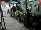 """LeOpierwszy """"Sajgon-fryzjer"""" (2012-03-04 09:15:47) komentarzy: 3, ostatni: niezła ilość szczegółow co? ;) (zatanawia brak suszarki, w zamian wentylatorki i temperatura powietrza +28)"""