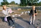 """dariano """"Dzieci (i) śmieci"""" (2012-05-31 13:54:42) komentarzy: 8, ostatni: takie o tym jak wyłowić z tych śmieci (informacyjnych ) cos wartościowego i zaszczepic to młodemu człowiekowi"""