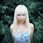 """LeszeK """""""" (2012-07-04 12:11:15) komentarzy: 4, ostatni: wokalistka die antwoord :)"""