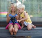 """Miras40 """"wujas jest śmieszny :-)"""" (2012-08-09 21:42:20) komentarzy: 24, ostatni: Rośnie młode pokolenie fotografów ... Wielce sympatyczna i radosna fotka :-)"""