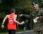 """sandiego """"Żebyś się nie przepił!"""" (2012-09-20 18:50:10) komentarzy: 3, ostatni: za takie podawanie herbaty kolega sekretarkę zwolnił :-) ( lewa ręka żołnierza )"""