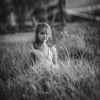 """adamix69 """"..."""" (2012-11-03 00:04:45) komentarzy: 5, ostatni: Podejrzewałem, że dziewczynka ukrywa je obok siebie w trawie :-)"""