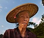 """Cezary Filew """"Babcia od Orzechów"""" (2012-12-01 19:24:16) komentarzy: 18, ostatni: fajne, troszkę tylko efektu halo zostało po wyciąganiu cieni."""