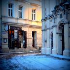 """basiapalka """"zaułki Kazimierza"""" (2013-01-19 17:13:22) komentarzy: 7, ostatni: ach, pięknie! i świeci i pada..."""
