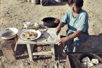 """eclecte """"kuchnia polowa pasterzy"""" (2013-01-29 21:54:52) komentarzy: 10, ostatni: no tak, aczkolwiek woda z jeziora, piec opalany owczym łajnem, a do jedzenia głównie to co się złapie w sieci...Polska przy tym to eldorado!"""