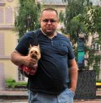 """Maciej Konopka """"Facet z małym pieskiem......"""" (2013-02-22 19:56:34) komentarzy: 27, ostatni: ....i jakiego ma fajnego właściciela"""