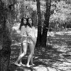 """Zakamarek01 """"siostry"""" (2013-06-18 15:14:31) komentarzy: 2, ostatni: eee... patrząc po ściólce to raczej las iglasty... :)"""