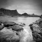 """Dark Light """"..."""" (2013-07-24 18:55:04) komentarzy: 7, ostatni: Miękka woda dobrze eksponuje fakturę skał :)"""
