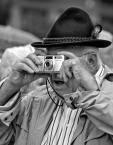 """sandiego """"śpiewający fotograf?"""" (2013-09-03 21:02:37) komentarzy: 5, ostatni: Przedstawiciel ziomkostw.....?"""