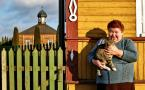 """Adam Falkowski """""""" (2014-01-10 09:51:10) komentarzy: 10, ostatni: Pani z kotem gra """"pierwsze skrzypce"""" na tej fotografii."""