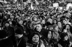 """Slawekol """"Twarze Majdanu"""" (2014-02-19 18:22:51) komentarzy: 16, ostatni: młodzi sie cieszą ..na straszych twarzach jakby zamyślenie , a u Pani na pierwszym planie wyraźny niepokój.."""
