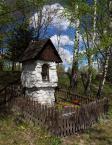 """Konsul """"przydrożna kapliczka"""" (2014-05-12 11:54:26) komentarzy: 9, ostatni: ładnie z brzozami... kapliczka cacuszko!"""